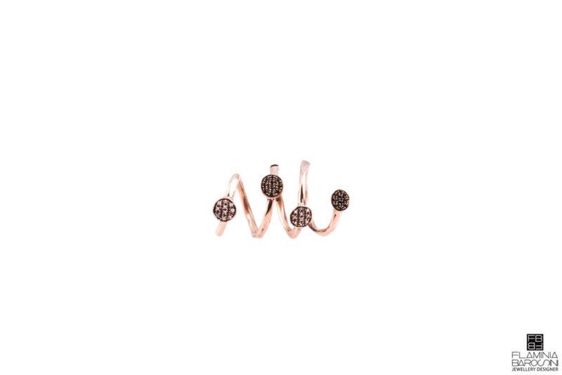Anello dito amigdala zirconi bianchi e neri 1
